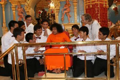 Always Be Happy and Peaceful   Sathya Sai International Organisation